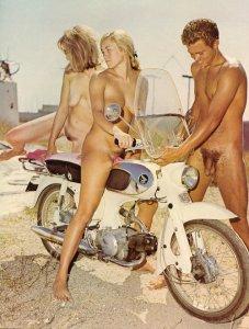 """Denis-Jean Fingerarsch, joyeux drille, se souvient bien de Nadège Pochon: """"Comme pas mal de jeune militante, elle aimait enfourcher ma moto. Mais je n'ai jamais pu lui faire le plein..."""""""