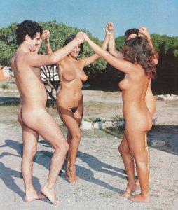 Danser nus.